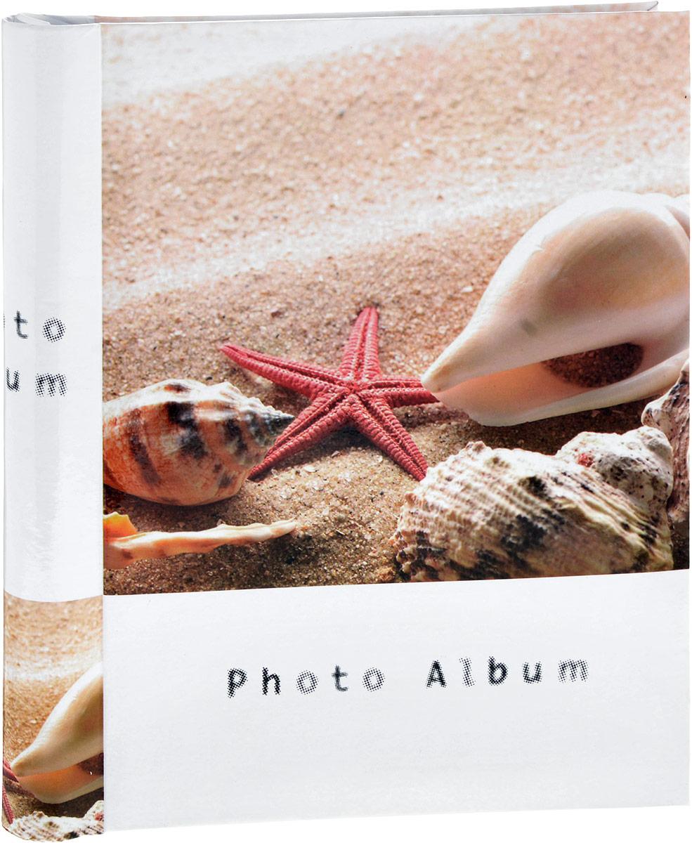 Фотоальбом Platinum Пляж, 20 листов. 98212М2225_ракушки и морская звезда/9821Фотоальбом Platinum Пляж, изготовленный из ламинированного картона с клеевым покрытием и пленки ПВХ, поможет сохранить вам самые важные и счастливые события жизни вашего ребенка. Этот альбом станет драгоценной памятью для всей вашей семьи. Обложка выполнена из толстого картона и оформлена изображением в морском стиле. Внутри содержится 20 магнитных листов, которые крепятся с помощью спирали. Нам всегда так приятно вспоминать о самых счастливых моментах жизни, запечатленных на фотографиях. Размер листа: 23 х 28 см.