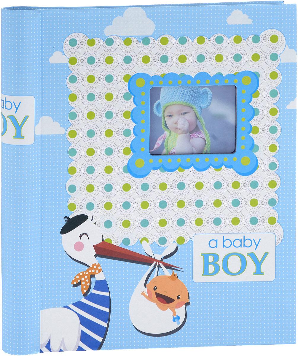 Фотоальбом Platinum Малыши - 2, 20 листов, цвет: голубой. 9821/F2М1614_голубой/9821/FФотоальбом Platinum Малыши - 2, изготовленный из ламинированного картона с клеевым покрытием и пленки ПВХ, поможет сохранить вам самые важные и счастливые события жизни вашего ребенка. Этот альбом станет драгоценной памятью для вас, вашего ребенка и, возможно, ваших внуков. Обложка выполнена из толстого картона и оформлена оригинальным рисунком. Лицевая сторона обложки имеет окошечко для фотографии. Внутри содержится 20 магнитных листов, которые крепятся с помощью спирали. Нам всегда так приятно вспоминать о самых счастливых моментах жизни, запечатленных на фотографиях. Размер листа: 22,5 х 28 см.