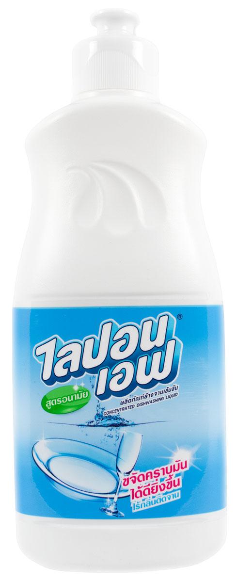 Средство для мытья посуды LionThailand Lipon F, 150 мл010116Концентрированное средство для мытья посуды Lipon F со специальной формулой Hygiene быстро и эффективно удаляет загрязнения и остатки еды с посуды и кухонной утвари, а густая пена справляется с жиром даже в холодной воде.. Полностью устраняет неприятные запахи и смывается с очищаемой поверхности, не оставляя разводов, следов и химической пленки на посуде. .Подходит для стерилизации губок.. Не сушит и не раздражает кожу рук во время мытья. .Изготовлен из биоразлагаемых компонентов. . Способ применения: нанести небольшое количество жидкости на губку, намылить посуду и смыть. .Для мытья посуды в растворе добавить 5 капель средства на литр теплой воды. .Для стерилизации губки нанести 10-20 капель средства (в зависимости от размера губки), вспенить и оставить для следующего мытья посуды.. Меры предосторожности: использовать строго по назначению.. Избегать попадания в глаза. . При необходимости обратиться к врачу. . Способ хранения: держать в недоступном для детей...