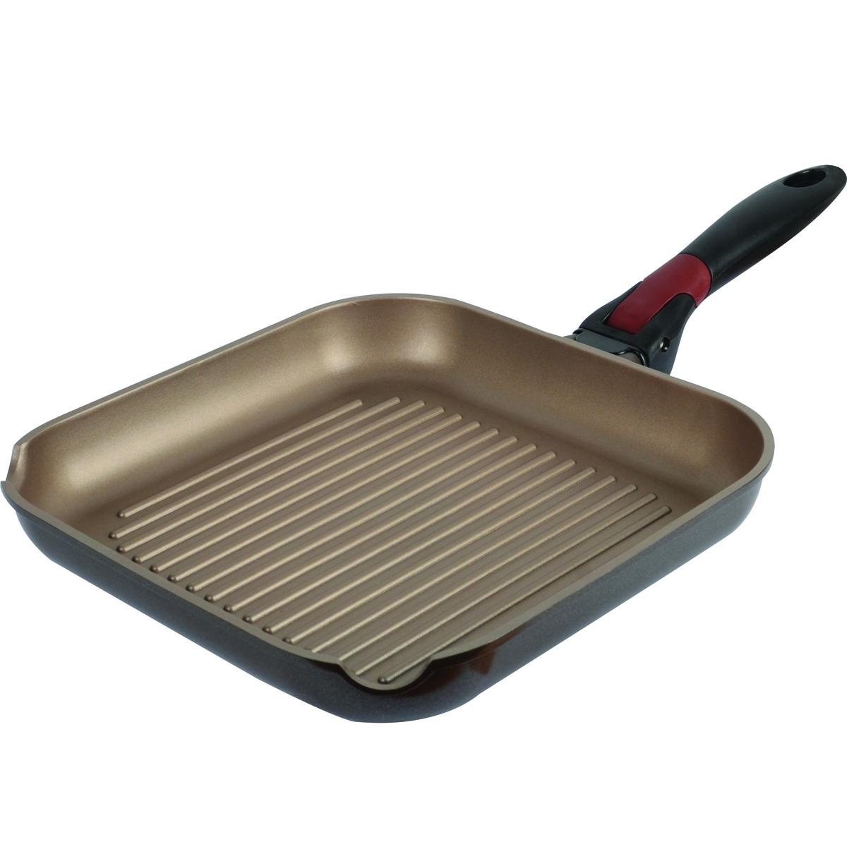 Сковорода-гриль Polaris One Click, с антипригарным покрытием, со съемной ручкой, 26 х 26 смOC-26GСковорода Polaris One Click изготовлена из высококачественного литого алюминия. Высокопрочное износостойкое антипригарное покрытие Whitford Xylan обеспечивает непревзойденную стойкость к царапинам, поэтому при готовке можно использовать металлические кухонные аксессуары. Покрытие экологично, не содержит примеси PFOA и PTFE. Специальное утолщенное дно обеспечивает равномерный нагрев. Эргономичная бакелитовая ручка не нагревается и не скользит. Ручка съемная, что позволяет использовать сковороду в духовке. Рифленая поверхность сковороды имитирует решетку гриля и образует аппетитную корочку, при этом жир стекает в желобки, не давая продуктам контактировать с ним, что обеспечивает приготовление здоровой пищи. С обеих сторон сковороды имеются отверстия для слива жидкости. Можно мыть в посудомоечной машине. Подходит для газовых, электрических и стеклокерамических плит, включая индукционные. Также подходит для духовки без использования...