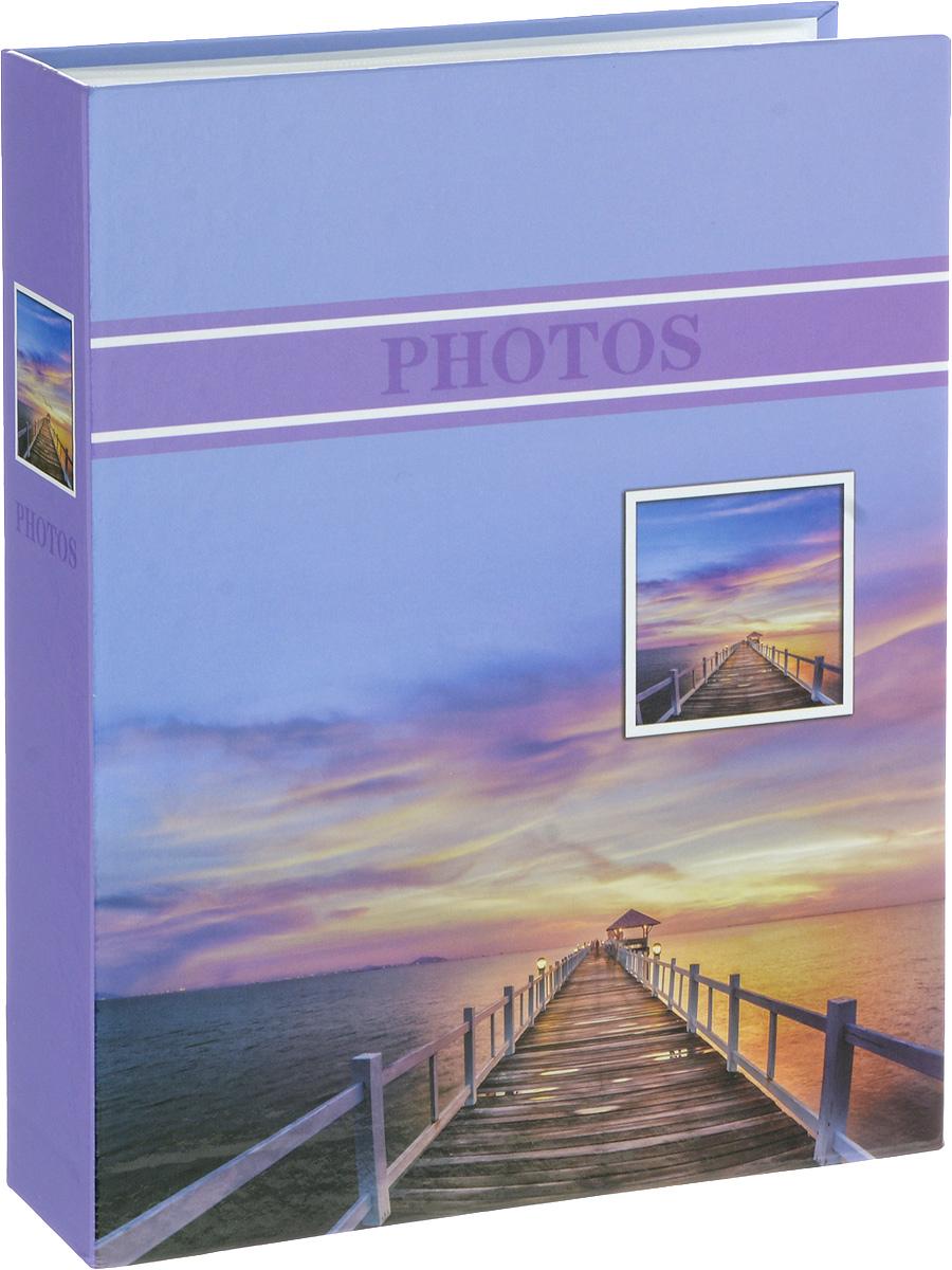Фотоальбом Platinum Лагуна, 200 фотографий, цвет: сиреневый, 10 х 15 см22227_ фиолетовый, PP46200SФотоальбом Platinum Лагуна поможет красиво оформить ваши фотографии. Обложка выполнена из толстого картона и декорирована рисунком с красочным изображением. Внутри содержится блок из 50 листов с фиксаторами-окошками из полипропилена. Альбом рассчитан на 200 фотографий формата 10 х 15 см (по 2 фотографии на странице). Переплет - книжный. Нам всегда так приятно вспоминать о самых счастливых моментах жизни, запечатленных на фотографиях. Поэтому фотоальбом является универсальным подарком к любому празднику. Количество листов: 50.