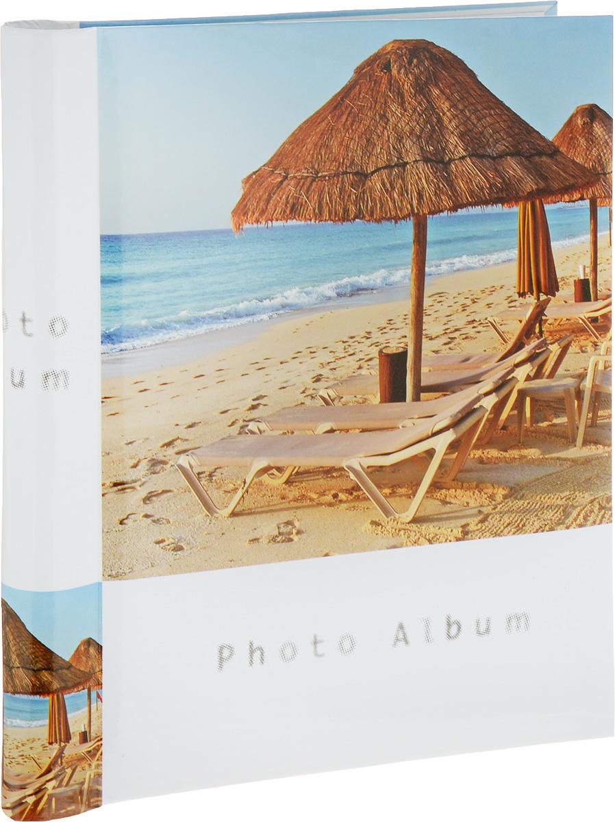 Фотоальбом Platinum Пляж, 30 листов3М2225_лежаки у моря, 9820-30Фотоальбом Platinum Пляж, изготовленный из ламинированного картона с клеевым покрытием и пленки, поможет сохранить вам самые важные и счастливые события вашей жизни. Этот альбом станет драгоценной памятью для всей вашей семьи. Обложка выполнена из толстого картона и оформлена оригинальным изображением. Внутри содержится 30 магнитных листов, которые крепятся с помощью спирали. Нам всегда так приятно вспоминать о самых счастливых моментах жизни, запечатленных на фотографиях. Размер листа: 21 х 28 см.