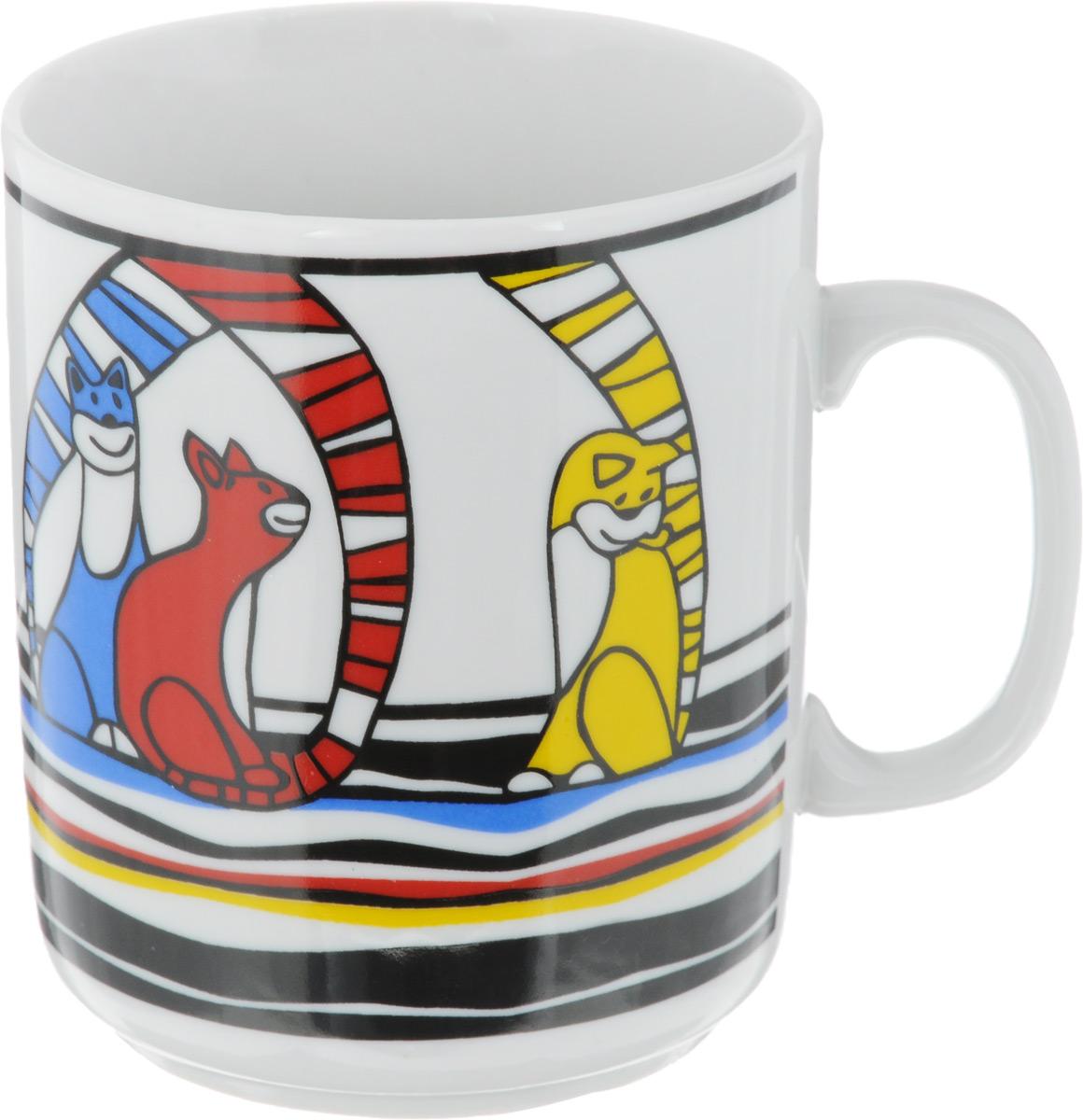 Кружка Фарфор Вербилок Коты, цвет: синий, красный, желтый, 300 мл9272480_синий, красный, желтыйКружка Фарфор Вербилок Коты способна скрасить любое чаепитие. Изделие выполнено из высококачественного фарфора. Посуда из такого материала позволяет сохранить истинный вкус напитка, а также помогает ему дольше оставаться теплым. Диаметр кружки (по верхнему краю): 8 см. Высота кружки: 9,5 см.