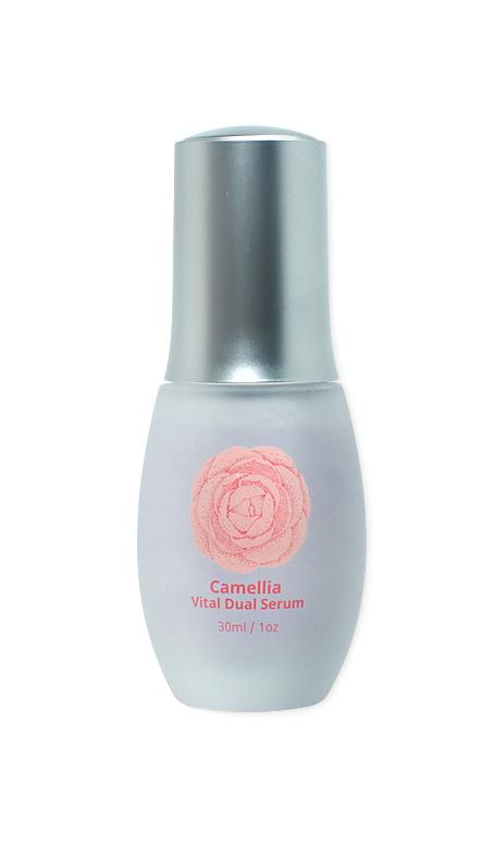 TOV, Двойная оживляющая сыворотка, Camellia 30 мл8809230142090В состав всех средств серии Camelia входит экстракт цветов камелии. Он содержит полифенолы и флавоноиды, а также богат витаминами А, Е, С, В. Экстракт цветов камелии является сильным антиоксидантом, замедляет процесс старения клеток и эффективно борется с первыми возрастными изменениями. Кроме того он обладает выраженным увлажняющим и успокаивающим действием. Оживляющая сыворотка тонизирует, увлажняет и придает эластичность коже. Технология капсулирования компонентов позволяет сохранить все полезные свойства, защитить их от разрушения и повысить эффективность средства. При нанесении на кожу капсулы лопаются и насыщают кожу живительной влагой, придавая здоровое сияние.