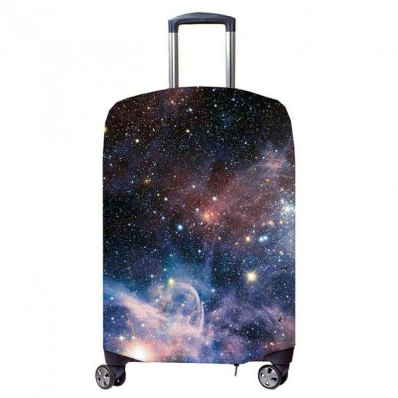 Чехол для чемодана Fancy Armor Travel Suit Eco. Космос, размер M/L (50-65 см)FTS_ECO_036Чехол размера ML предназначен для чемоданов высотой 52-65 см. Универсальный эластичный чехол для большого чемодана защищает чемодан и вещи от грязи и повреждений, заменяет пленку в аэропорту и позволяет сэкономить время и деньги на упаковке багажа, а также поможет безошибочно отличить свой чемодан. Запатентованная выкройка обеспечивает идеальную посадку, а высокое качество пошива и используемых материалов (ткань плотностью 240г/м2) гарантирует долгую службу чехла. Обработанные силиконовой резинкой вырезы специальной формы обеспечивают удобный доступ ко всем ручкам чемодана..
