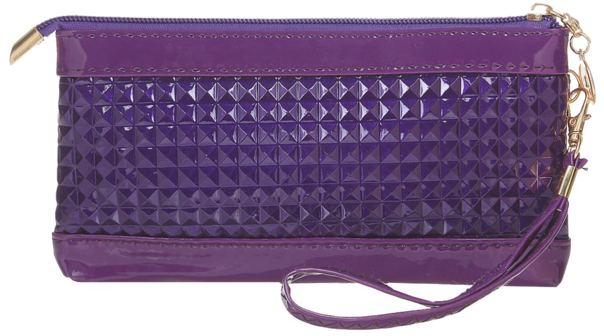 Кошелек женский Leighton, цвет: фиолетовый. 741-1741-1 purpleСтильный женский кошелек Leighton выполнен из искусственной кожи и закрывается на застежку-молнию. Подкладка кошелька изготовлена из полиэстера. Изделие содержит одно отделение, снаружи карман на молнии. В комплекте маленький ремешок.
