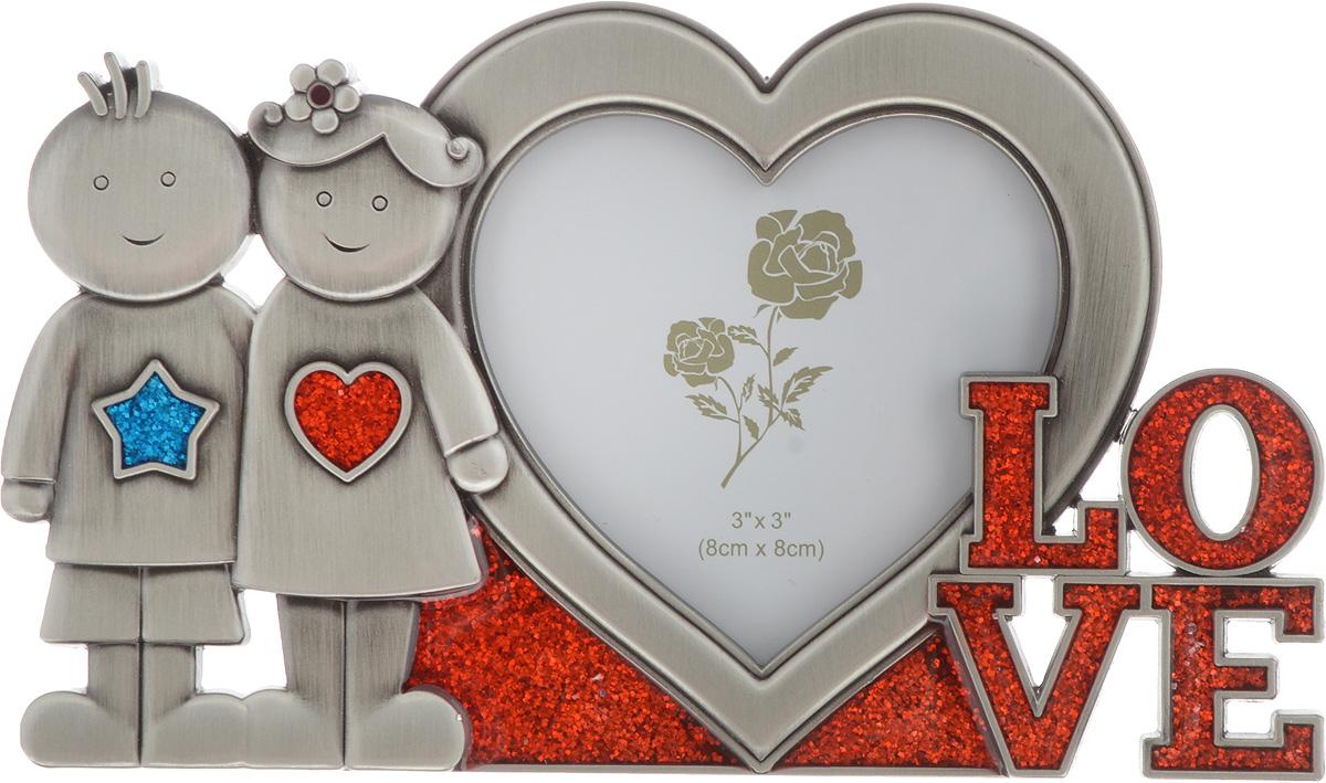 Фоторамка декоративная Platinum Love, 7,5 х 7,5 см. PF10988BPLATINUM PF10988BДекоративная фоторамка Platinum, выполненная из металла в форме сердца, оформлена фигурками мальчика и девочки и надписью Love. Рамка позволит сохранить на память изображения дорогих вам людей и интересных событий вашей жизни. Фоторамка имеет ножку для размещения ее на столе. С таким украшением вы сможете не просто внести в интерьер своего дома элемент необычности, но и создать атмосферу уюта и тепла.