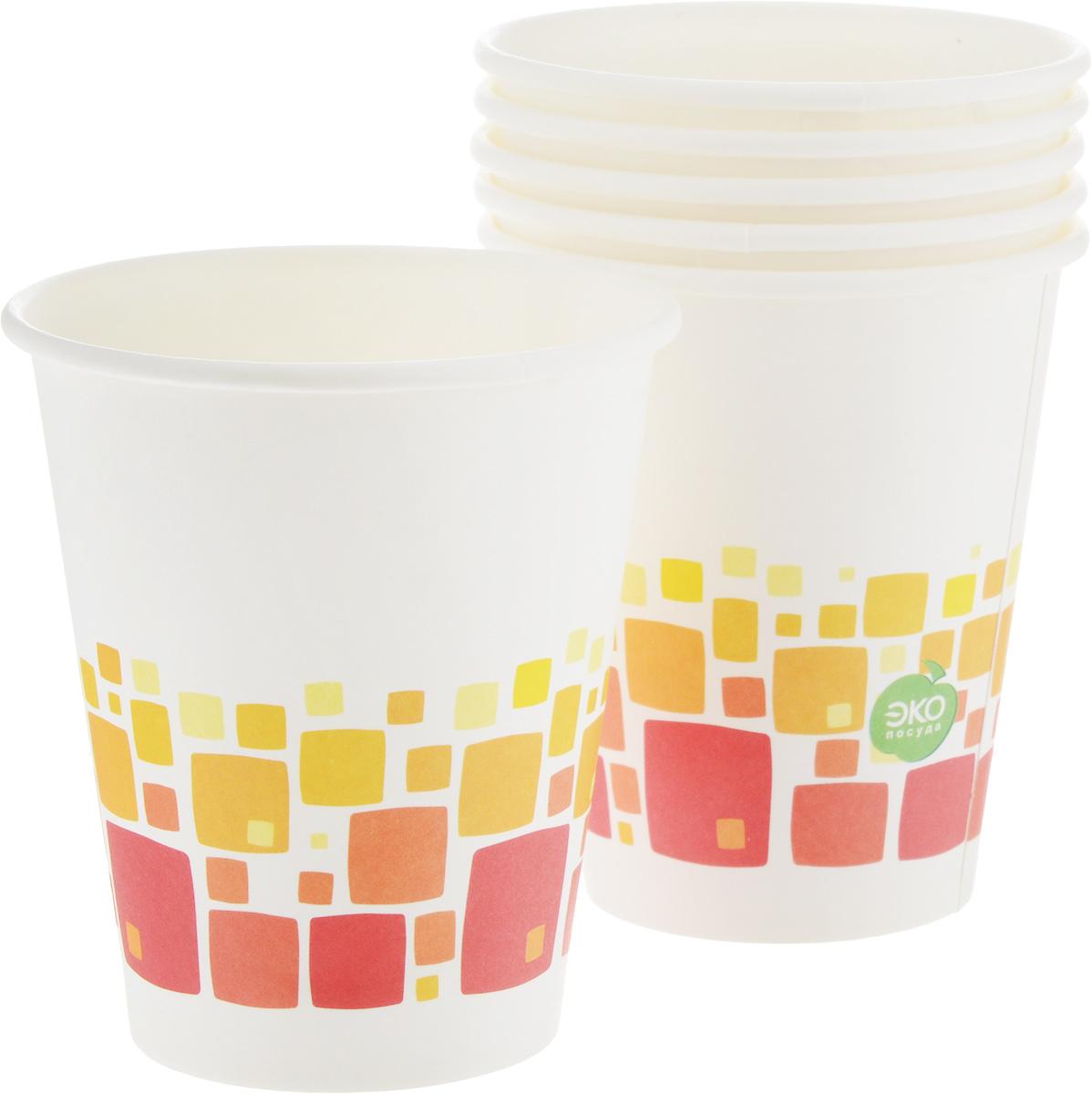 Набор бумажных стаканов Paterra Нарядные, цвет: белый, 330 мл, 6 шт401-469_белый, кубикиНабор Paterra Нарядные состоит из 6 стаканов, предназначенных для одноразового использования. Изделия украшены узором. Такие стаканы подойдут как для холодных, так и для горячих напитков. Имеют водоотталкивающие свойства. Одноразовые стаканы будут незаменимы при поездках на природу, пикниках и других мероприятиях. Они легкие и не займут много места, а самое главное - после использования их не надо мыть. Диаметр стакана: 8 см. Высота стакана: 9,5 см.