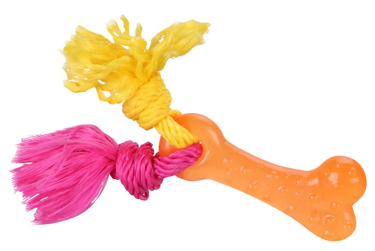 Игрушка для собак Dezzie Косточка с веревкой, 21 см5638010Резиновые игрушки DEZZIE – это отличный подарок активному питомцу, чьи хозяева заботятся о здоровье и правильном развитии собаки. Игрушки из резины созданы из безопасного и прочного материала, поэтому их спокойно можно использовать при длительных занятиях с любимцем. Особенно они придутся по душе обожающим водные забавы питомцам и их владельцам. Такие игрушки не тонут и станут замечательным развлечением при апортировочных играх на воде. Эластичность резины и специальные выступы на поверхности игрушек способствуют тренировке жевательных мышц, очищению зубов и массажу десен собаки.