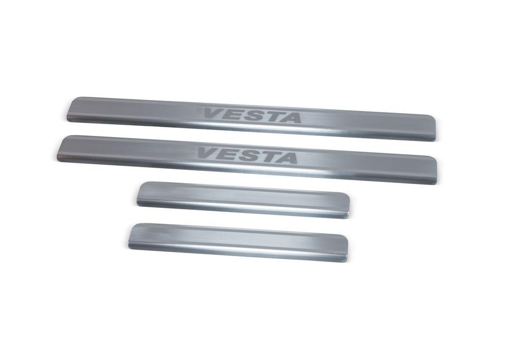"""Накладки на пороги Rival для Lada Vesta 2015-, 4 штNP.6007.3Накладки на пороги RIVAL Накладки на пороги создают индивидуальный интерьер автомобиля и защищают лакокрасочное покрытие от механических повреждений - Использование высококачественной итальянской нержавеющей стали AISI 304. - Надежная фиксация на автомобиле с помощью """"фирменного"""" скотча 3М. - Устойчивое к истиранию изображение на накладках нанесено методом абразивной полировки. - Идеально повторяют геометрию порогов автомобиля. Уважаемые клиенты! Обращаем ваше внимание, что накладки имеют форму и комплектацию, соответствующую модели данного автомобиля. Фото служит для визуального восприятия товара."""