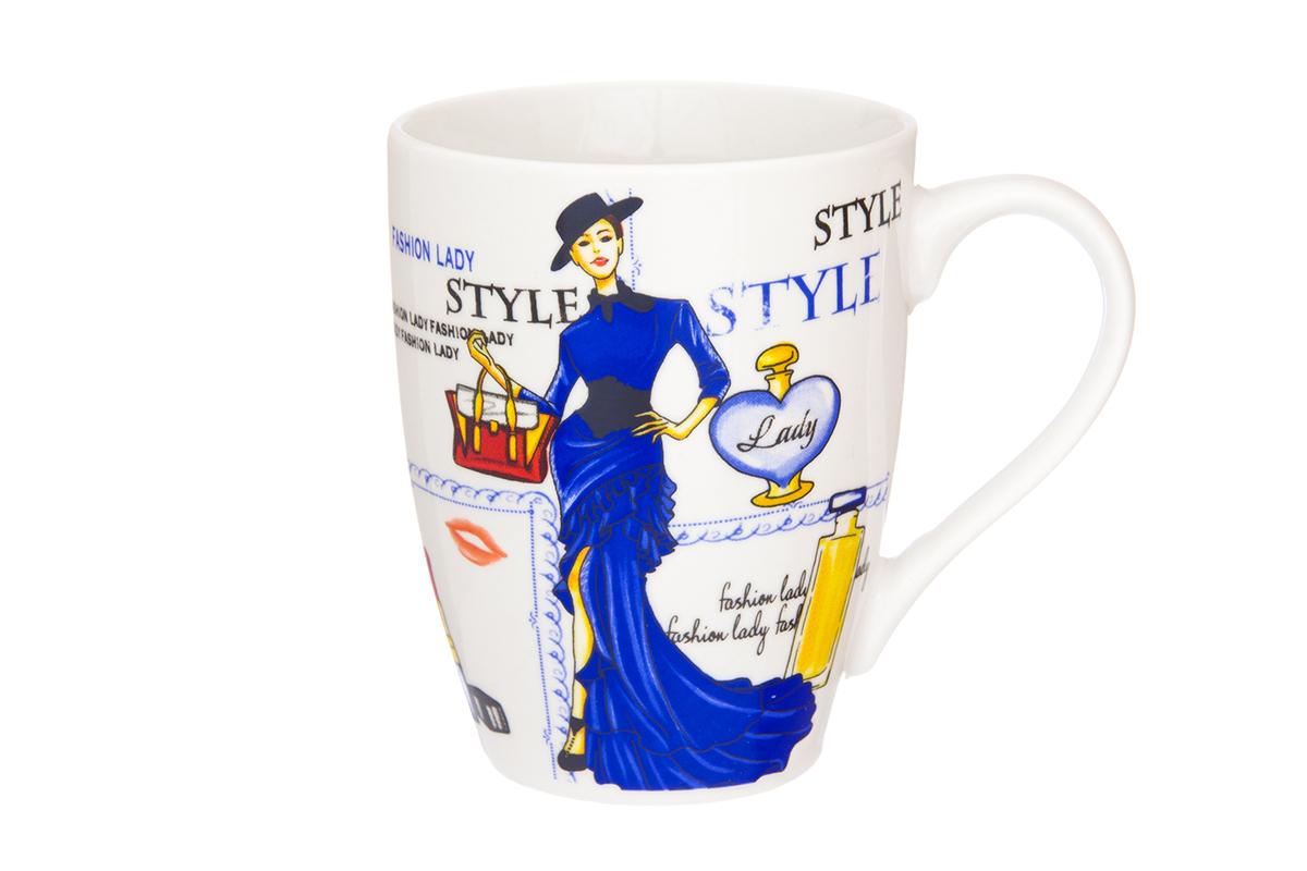 Кружка Elan Gallery Ретро стиль, цвет: синий, 370 мл230016Кружка классической формы объемом 370 мл с удобной ручкой. Подходят для любых горячих и холодных напитков, чая, кофе, какао. Изделие имеет подарочную упаковку, поэтому станет желанным подарком для Ваших близких! Не рекомендуется применять абразивные моющие средства.