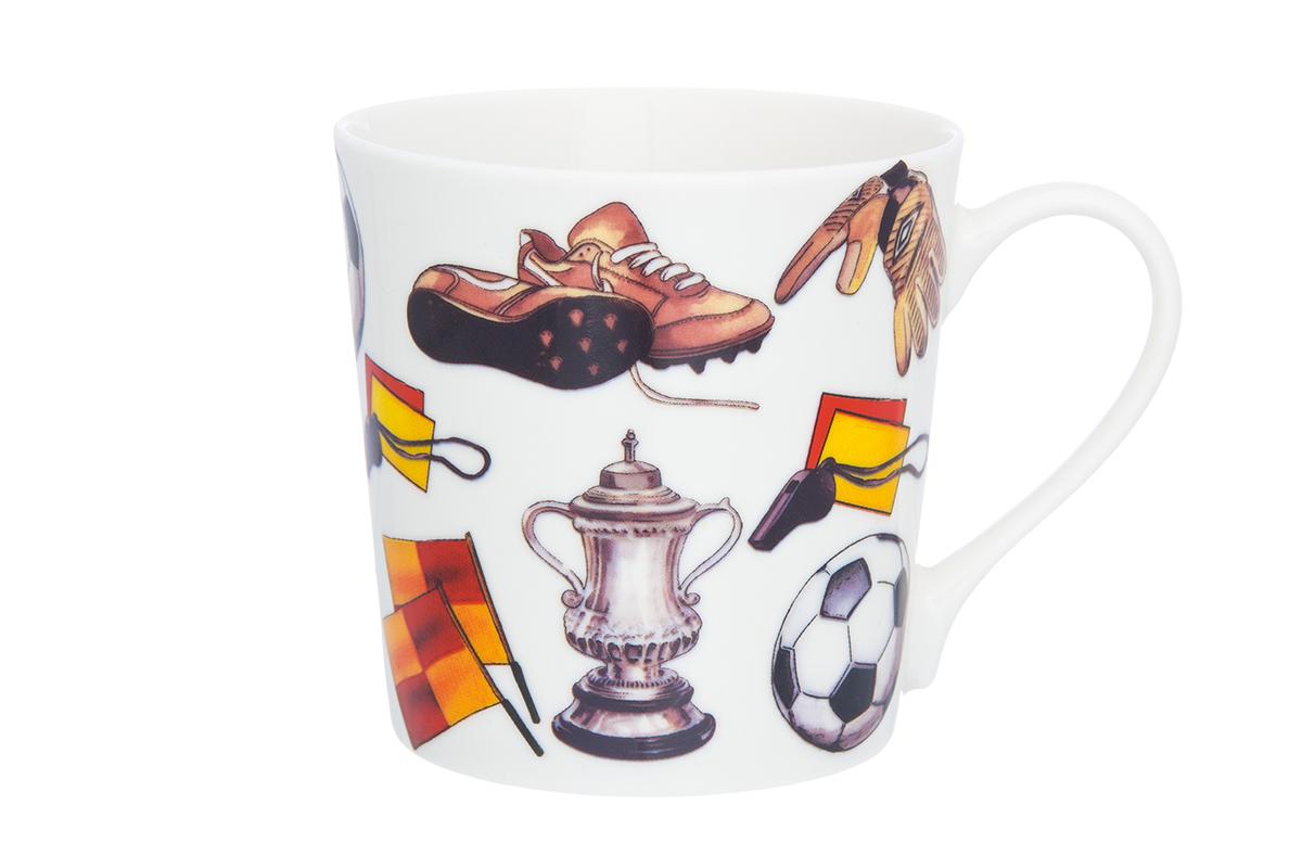 Кружка Elan Gallery Футбол, 400 мл230032Кружка классической формы объемом 400 мл с удобной ручкой. Подходят для любых горячих и холодных напитков, чая, кофе, какао. Изделие имеет подарочную упаковку, поэтому станет желанным подарком для Ваших близких! Не рекомендуется применять абразивные моющие средства.