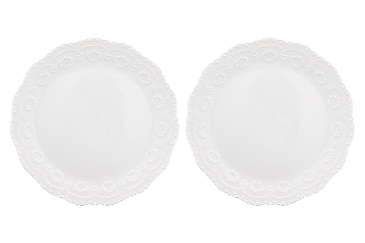 Набор тарелок Elan Gallery Узор, цвет: белый, диаметр: 20,5 см, 2 шт540157У Вас намечается небольшое торжество - используйте набор из 2 тарелок для закуски. Они не займут много места на столе. Тарелки из серии Узор станут украшением Вашего стола. Изделие имеет подарочную упаковку. Диаметр тарелки: 20,5 см.