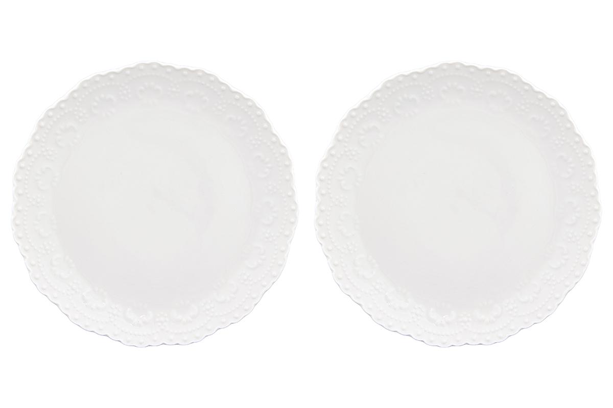 Набор тарелок Elan Gallery Узор, цвет: белый, диаметр 16 см, 2 шт540158У Вас намечается небольшое торжество - используйте набор из 2 десертных тарелок. Они не займут много места на столе. Тарелки из серии Белый узор станут украшением Вашего стола. Изделие имеет подарочную упаковку. Размер 16х16х1,7 см.
