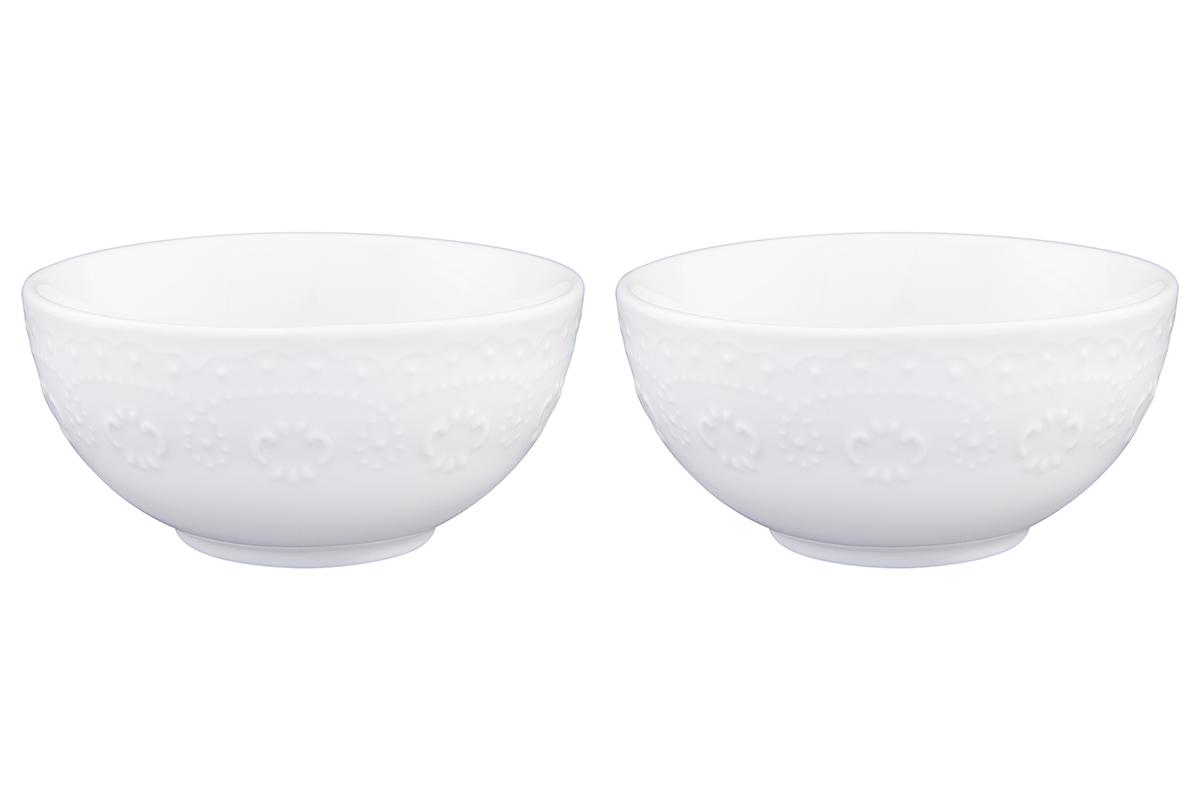 Набор салатников Elan Gallery Узор, цвет: белый, 330 мл, 2 шт540161У Вас намечается торжество и нужно накрыть большой стол - используйте компактные и вместительные салатники. Они не займут много места и их можно использовать для разных видов салатов, закусок, сладостей. Размер салатника: 12 х 12 х 5,5 см. Объем салатника: 330 мл.