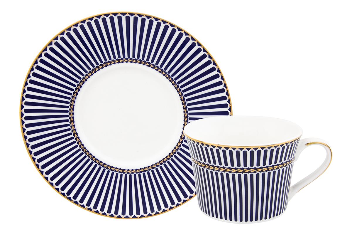 Чайная пара Elan Gallery Полоски, цвет: синий, 2 предмета730611Чайная пара на 1 персону в оригинальном дизайне украсит ваше чаепитие. В комплекте 1 чашка объемом 210 мл, 1 блюдце. Изделие имеет прозрачную подарочную упаковку с бантиком, поэтому станет желанным подарком для ваших близких, коллег и друзей!