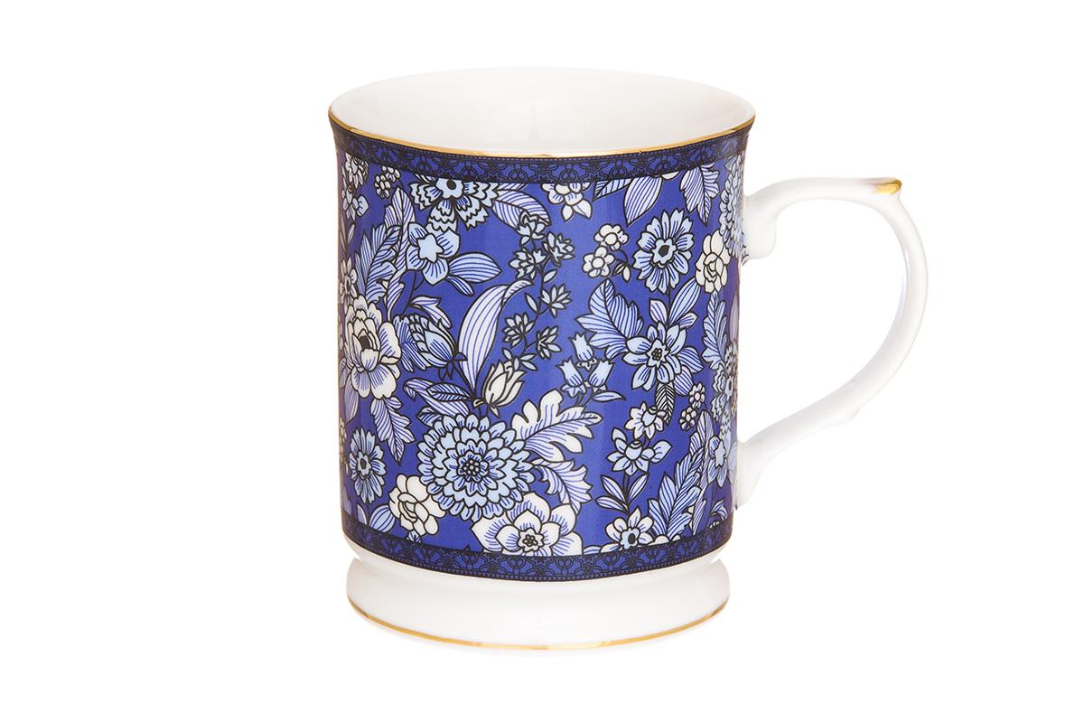 Кружка Elan Gallery Цветы, цвет: синий, 400 мл730647Кружка Elan Gallery Бабочки выполнена из высококачественного фарфора и оформлена красочным рисунком. Изделие станет отличным дополнением к сервировке семейного стола, а также замечательным подарком для ваших родных и друзей. Не рекомендуется применять абразивные моющие средства. Объем кружки: 400 мл. Размер кружки: 12 х 8,5 х 10 см.