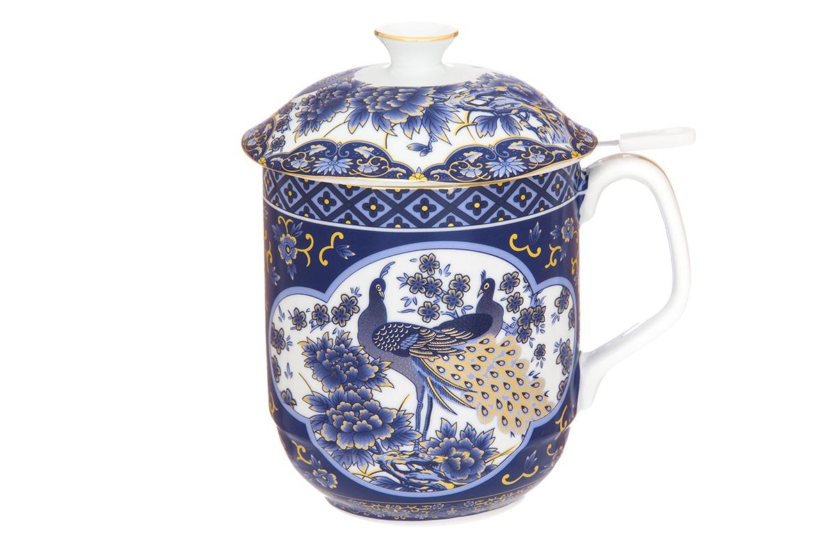 Кружка Elan Gallery Павлин, с ситом, 480 мл730677Классическая кружка Elan Gallery Павлин для заваривания чая выполнена из высококачественного фарфора. В комплекте кружка, крышка, металлическое сито. Изделие имеет подарочную упаковку, поэтому станет желанным подарком для Ваших близких! Объем кружки: 480 мл.