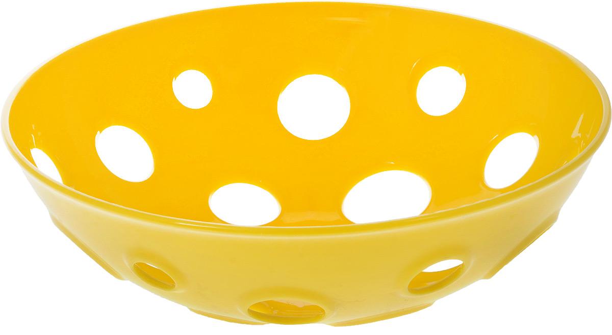 Миска для фруктов и овощей Tescoma Vitamino, глубокая, цвет: желтый, диаметр 28 см642782_желтыйГлубокая миска Tescoma Vitamino выполнена из высококачественного прочного пластика. Изделие прекрасно подходит для хранения свежих овощей и фруктов, например, яблок, груш, слив, мандаринов, помидоров, а также для ополаскивания их под проточной водой. Миска оснащена большими отверстиями для максимального доступа воздуха к хранимым продуктам. Фрукты и овощи в таком изделии дозревают естественным путем и дольше остаются свежими. Подходит для холодильника и посудомоечной машины. Размер миски: 28 х 28 х 9 см.