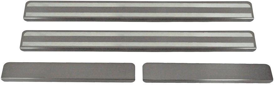 """Накладки на пороги Rival для Ravon R2 2016-, 2 штNP.1301.1Накладки на пороги RIVAL Накладки на пороги создают индивидуальный интерьер автомобиля и защищают лакокрасочное покрытие от механических повреждений - Использование высококачественной итальянской нержавеющей стали AISI 304. - Надежная фиксация на автомобиле с помощью """"фирменного"""" скотча 3М. - Устойчивое к истиранию изображение на накладках нанесено методом абразивной полировки. - Идеально повторяют геометрию порогов автомобиля. Уважаемые клиенты! Обращаем ваше внимание, что накладки имеют форму и комплектацию, соответствующую модели данного автомобиля. Фото служит для визуального восприятия товара."""