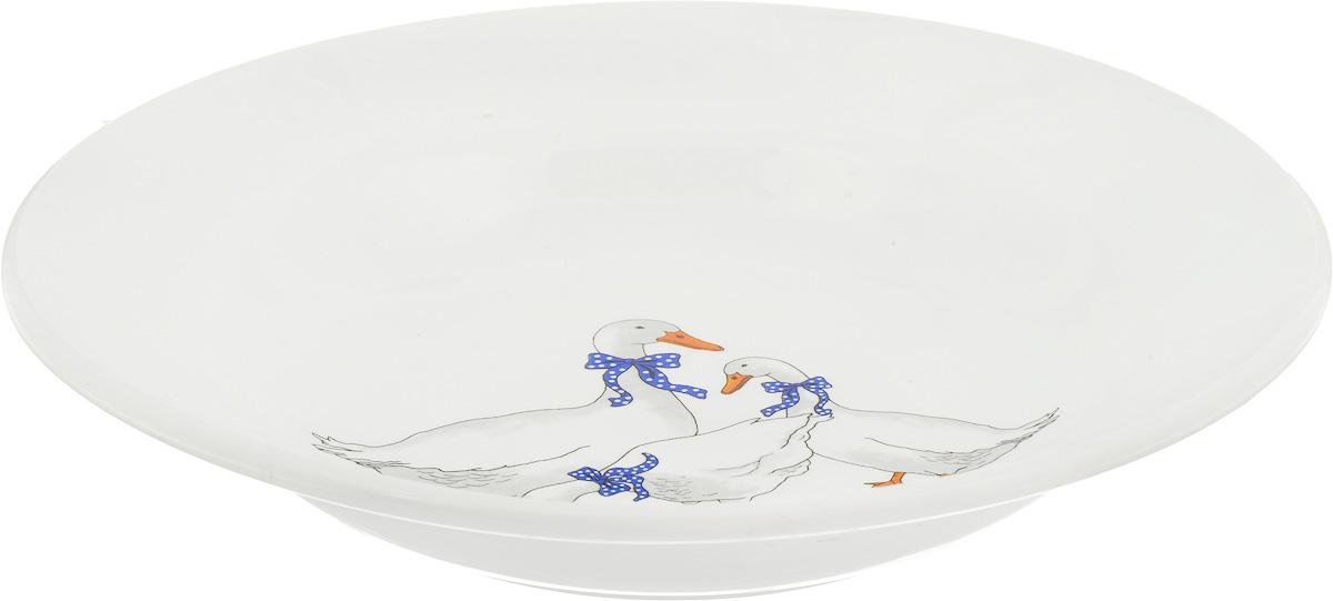 Тарелка глубокая Кубаньфарфор Гуси, диаметр 20 см055_ГусиГлубокая тарелка Кубаньфарфор Гуси, изготовленная из фаянса с глазурованным покрытием, красочным рисунком. Такая тарелка украсит сервировку вашего стола и подчеркнет прекрасный вкус хозяина, а также станет отличным подарком.