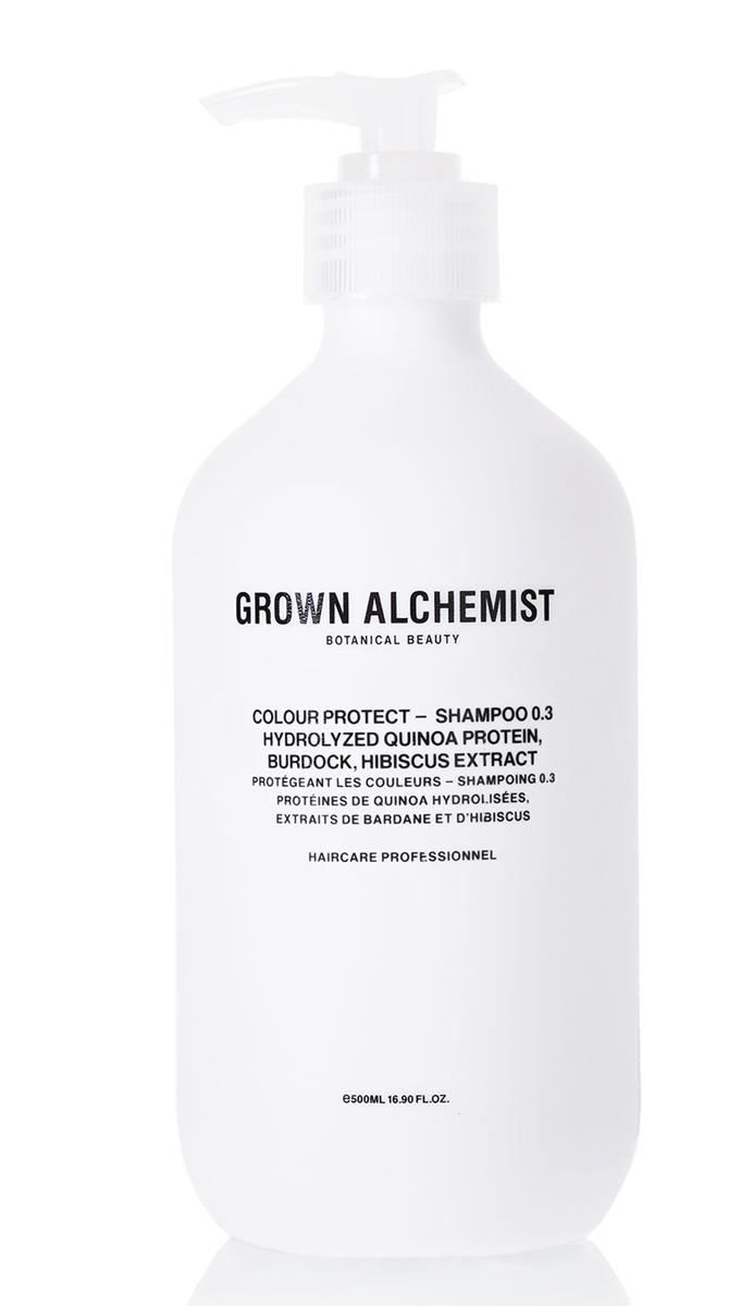 Grown Alchemist Шампунь для окрашенных волос 500 млGRA0165Шампунь тщательно очищает и продлевает стойкость цвета окрашенных волос, защищая их от УФ-повреждений, воды и стресса, вызванного окружающей средой. Волосы становятся мягкими, блестящими и шелковистыми.