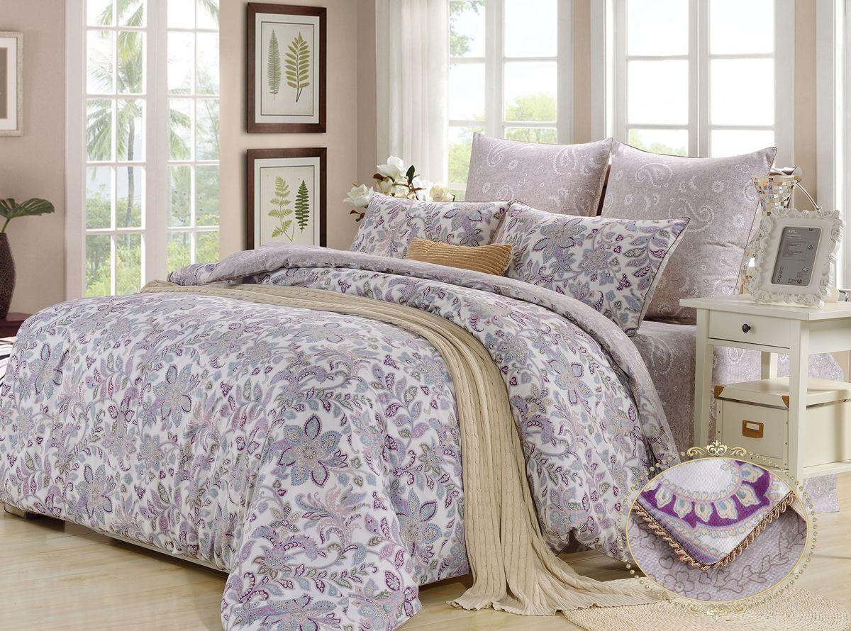 Комплект постельного белья KAZANOV.A. Андреа, семейный, сатинR23-7Е-884-ZКомплекты постельного белья «KAZANOV.A.» из сатина имеют превосходные характеристики: сатин высокого качества, шелковистый блеск, повышенная прочность, насыщенный цвет. Натуральные длинные волокна хлопка, которые используются в производстве материала для постельного белья, имеют высокую плотность, что и увеличивает износостойкость комплектов. Для нанесения рисунка на ткани используется реактивная и принтерная печать из современных экологически безопасных красителей. Сатиновое постельное белье комфортно для тела, гипоаллергенно, легко впитывает частички влаги, за счёт чего оно хорошо охлаждает, кожа дышит, сон становится крепким и здоровым. В пододеяльнике и наволочках используются надёжные молнии, с логотипом компании на застёжке. При пошиве используются разработанные для компании «KAZANOV.A.» , уникальный вид отделки: Витой шёлковый кант. Комплекты изящно выложены в Брендовую подарочную упаковку «KAZANOV.A.»: ламинированная коробка + фирменный пакет с ручками из шелковистого витого...