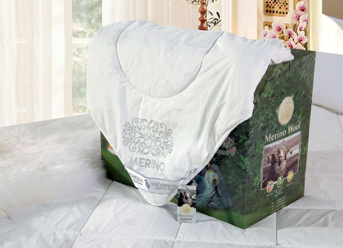Одеяло KAZANOV.A. Merino Wool, цвет: белый, 155 х 210 смS53-167-1.6Компания «KAZANOV.A.» разработала уникальный наполнитель из Шерсти Мериноса введя в состав длинноволокнистый акрил (искусственную шерсть), что позволило улучшить эксплуатационные качества изделий: исключить комкование, которое происходит с наполнителями из 100% шерсти, сохранив лечебные свойства Шерсти Мериноса. Одеяла из шерсти не собирают на себя пыль и практически не скатываются благодаря высокой извитости волокна. В шерсти заключён большой объем воздуха из-за особой структуры, и это наделяет шерстяные изделия отличной воздухопроницаемостью. Состав наполнителя 80% Шерсть Мериноса, 20% длинноволокнистый акрил. Наполнитель в одеялах проходит обработку ионами серебра для повышения антибактериального эффекта (предотвращая рост бактерий или грибков, а так же аллергические реакции). Упаковано одеяло в Брендовую подарочную упаковку «KAZANOV.A.»: ламинированная коробка с ручками из шелковистого витого шнура.