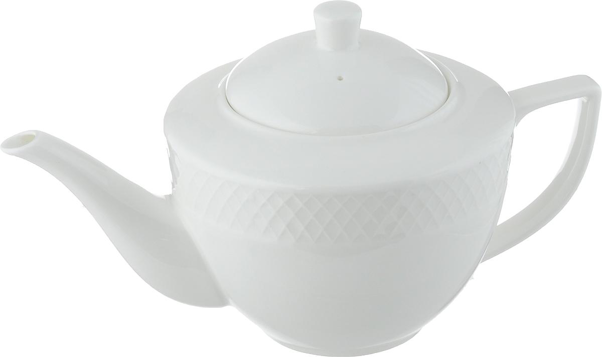 Чайник заварочный Wilmax Julia Vysotskaya, 900 млWL-880110-JV / 1CЗаварочный чайник Wilmax Julia Vysotskaya изготовлен из высококачественного фарфора. Глазурованное покрытие обеспечивает легкую очистку. Изделие прекрасно подходит для заваривания вкусного и ароматного чая, а также травяных настоев. Отверстия в основании носика препятствует попаданию чаинок в чашку. Оригинальный дизайн сделает чайник настоящим украшением стола. Он удобен в использовании и понравится каждому. Можно мыть в посудомоечной машине и использовать в микроволновой печи. Диаметр чайника (по верхнему краю): 9 см. Высота чайника (без учета крышки): 10,5 см. Высота чайника (с учетом крышки): 14 см.