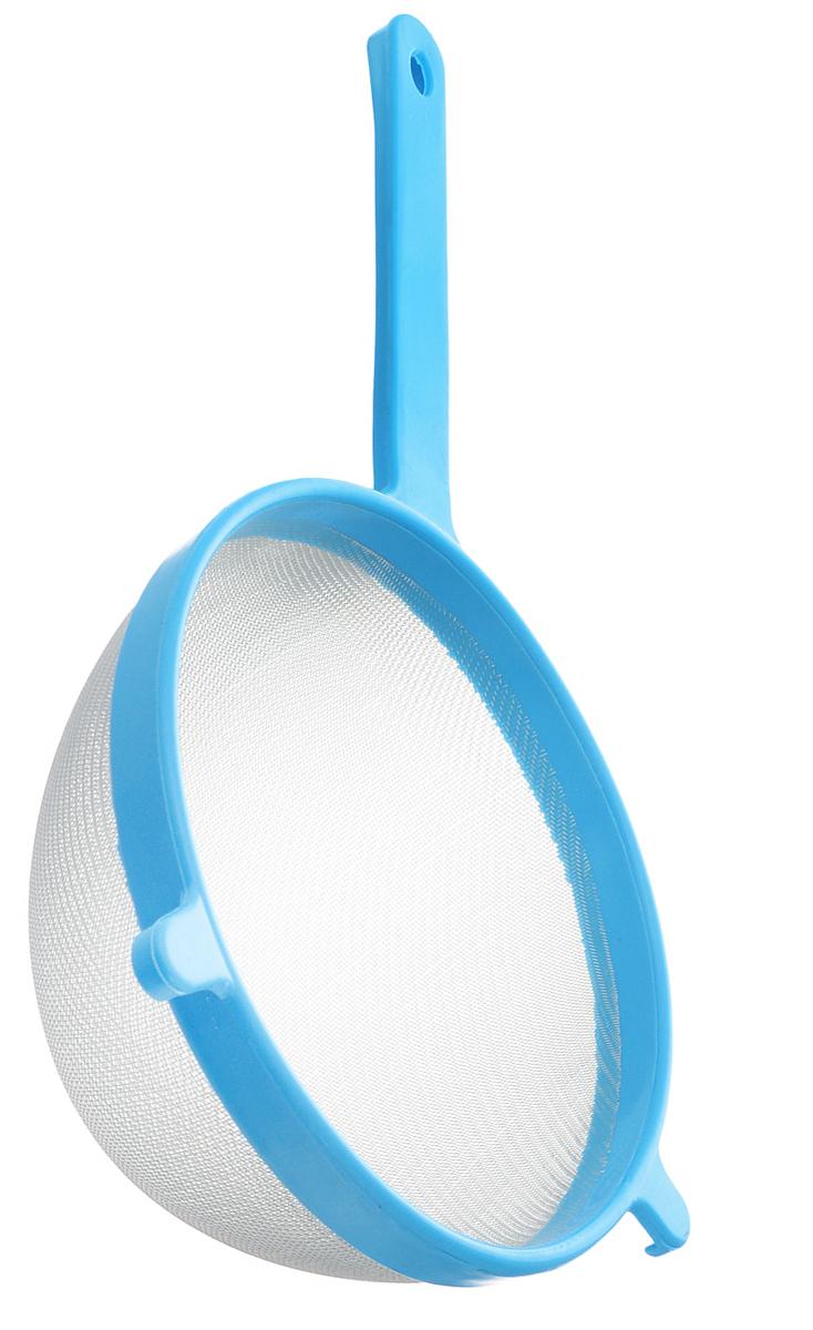 Сито Хозяюшка Мила, цвет: голубой, диаметр 20 см36060_голубойСито Хозяюшка Мила изготовлено из металла и полипропилена. За обычным дизайном скрывается практичность и функциональность. Эргономичная ручка снабжена отверстием для подвешивания на крючок. С этим ситом вы можете просеивать сыпучие продукты, процеживать компоты и соки. Незаменимо оно станет и для приготовления детских пюре. Удобство в использовании дополняется двумя держателями. Такое сито станет незаменимым аксессуаром на вашей кухне. Диаметр сита: 20 см. Длина ручки: 16,5 см.