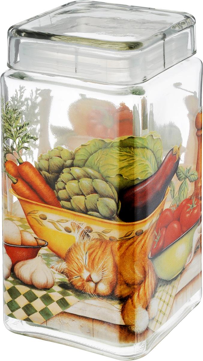 Банка для сыпучих продуктов SinoGlass Ленивый повар, 2,1 лSI-9358271-ALБанка для сыпучих продуктов SinoGlass Ленивый повар изготовлена из прочного стекла и оснащена крышкой, которая плотно закрывается благодаря пластиковой вставке на верхней части банки. Внутри сохраняется герметичность, и продукты дольше остаются свежими. Изделие предназначено для хранения различных сыпучих продуктов: круп, чая, сахара, орехов и много другого. Функциональная и вместительная банка станет незаменимым аксессуаром на любой кухне. Объем: 2,1 л. Размер основания: 11 х 11 см. Высота банки (с учетом крышки): 22 см.