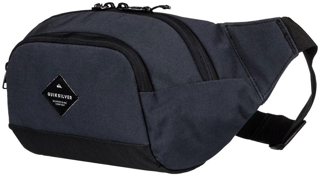 Сумка на пояс мужская Quiksilver Lone Walker, цвет: черный. EQYBA03064-KVJWEQYBA03064-KVJWМужская сумка на пояс Quiksilver выполнена из полиэстера. Модель с двумя основными отделениями застегивается на молнию. Размер пояса регулируется. У изделия имеются карманы органайзеры и ярлык с логотипом.