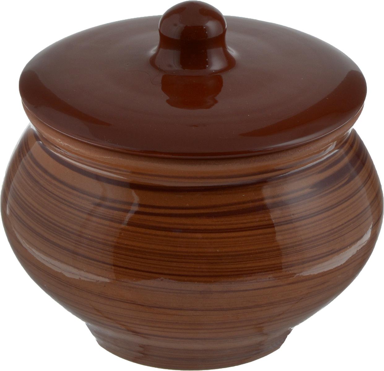 Горшок для запекания Борисовская керамика Cтандарт, с крышкой, цвет: светло-коричневый, 1,3 лОБЧ00000331_полоскиГоршок с крышкой для запекания Борисовская керамика Cтандарт выполнен из высококачественной керамики. Уникальные свойства керамики и толстые стенки изделия обеспечивают эффект русской печи при приготовлении блюд. Блюда, приготовленные в таком горшочке, получаются нежными и сочными. Вы сможете приготовить мясо, сделать томленые овощи и все это без капли масла. Это один из самых здоровых способов готовки. Предназначен горшок для приготовления блюд в духовом шкафу и микроволновой печи. Диаметр горшка (по верхнему краю): 15 см. Высота стенок: 11,5 см.