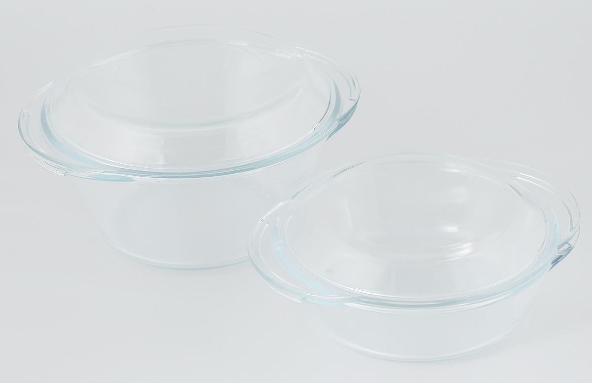 Набор кастрюль VGP Premium Quality с крышками, 4 предмета870Набор VGP Premium Quality, выполненный из жаропрочного стекла, состоит из 2 кастрюль с крышками. Такой набор предназначен для приготовления, хранения, разогрева пищи, а также для сервировки стола. Благодаря низкой теплопроводности, приготовленные блюда долго не остывают, при этом посуда обладает отличными гигиеническими качествами. Набор пригоден для использования в духовом шкафу, микроволновой печи, холодильной и морозильной камерах. Можно мыть в посудомоечной машине. Объем кастрюль: 1 л; 2 л. Диаметр кастрюль (по верхнему краю): 17,5 см; 19,5. Высота стенок кастрюль: 6 см; 9,5 см. Ширина кастрюль (с учетом ручек): 20,5 см; 23,5 см.
