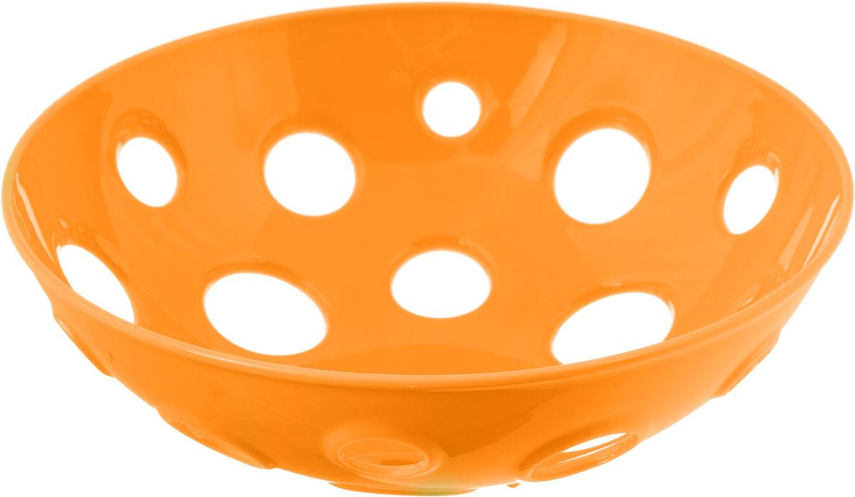 Миска для фруктов и овощей Tescoma Vitamino, глубокая, цвет: оранжевый, диаметр 28 см642782_оранжевыйГлубокая миска Tescoma Vitamino выполнена из высококачественного прочного пластика. Изделие прекрасно подходит для хранения свежих овощей и фруктов, например, яблок, груш, слив, мандаринов, помидоров, а также для ополаскивания их под проточной водой. Миска оснащена большими отверстиями для максимального доступа воздуха к хранимым продуктам. Фрукты и овощи в таком изделии дозревают естественным путем и дольше остаются свежими. Подходит для холодильника и посудомоечной машины. Размер миски: 28 х 28 х 9 см.