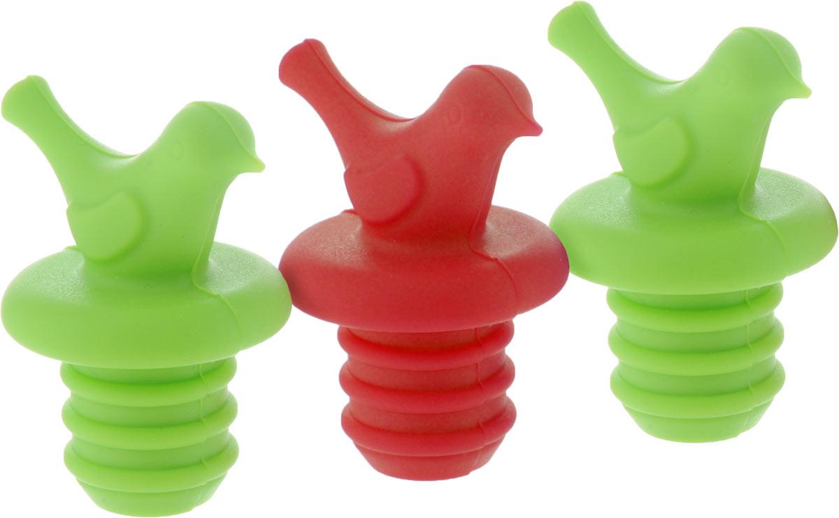 Набор пробок для бутылок Apollo Pico, цвет: салатовый, красный, 3 штPCO-03_салатовый, красныйНабор Apollo Pico состоит из трех пробок для бутылок. Пробки выполнены из силикона. Благодаря наличию эластичной резьбы, изделия легко вкручиваются и вывинчиваются из горлышка бутылки. Набор Apollo Pico станет нужным аксессуаром на вашей кухне. Общий размер пробки: 4,5 х 3,5 х 5 см. Размер рабочей части пробки: 2 х 2 х 2 см.