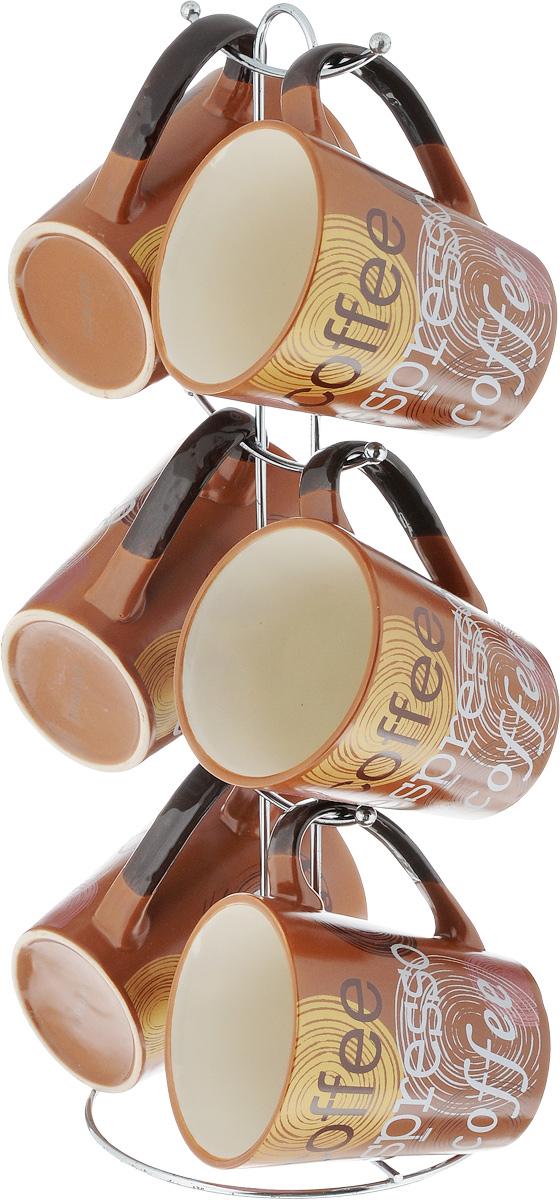 Набор чашек Loraine, на подставке, 320 мл, 7 предметов. 2353123531Набор Loraine состоит из 6 чашек, выполненных из высококачественной керамики и оформленных оригинальным принтом. Чашки подходят для горячих и холодных напитков. Изделия удобно располагаются на металлической подставке. Такой набор впишется в любой интерьер, а также станет отличным подарком на любой праздник. Можно мыть в посудомоечной машине и использовать в микроволновой печи. Диаметр чашки (по верхнему краю): 7,8 см. Размер подставки: 14 х 14 х 37 см.