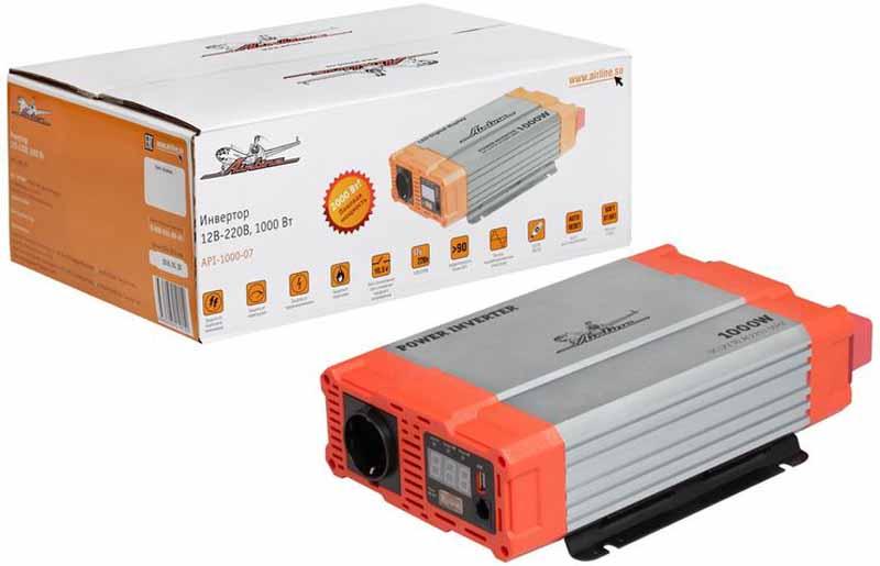 Инвертор Airline, 12В-220В, 1000 Вт. API-1000-07API-1000-07Автомобильные преобразователи напряжения (инверторы) позволяют получить: -переменное напряжение 220В – 50Гц от аккумулятора автомобиля. Инверторы предназначены для питания устройств с номинальным напряжением 220 вольт. В инверторы встроено гнездо USB 5В для питания и зарядки мобильных устройств. Устройства имеют защиты от короткого замыкания, перегрева, бросков входного напряжения. После устранения причины включения защиты инвертор автоматически восстанавливает свою работу. Если в автомобиле необходима настоящая розетка 220В, то инвертор станет незаменимым дополнением. Подключаясь к аккумулятору, он инвертирует автомобильные 12В в 220В, обеспечивая автовладельца возможностью подключения необходимых в дороге или на выезде, вдалеке от дома, приборов, например, ноутбука и телевизора, электроинструментов и зарядки. Это делает автомобиль более комфортным, особенно в случае внепланового отключения электроэнергии дома, на даче или на отдыхе за городом. Входное напряжение - 12В - /93А...