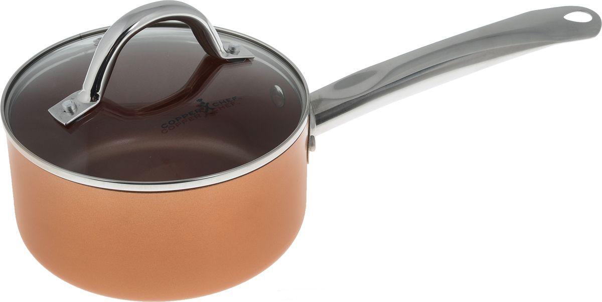 Ковш Copper Chef с крышкой, с керамическим покрытием, 1,76 лKC15061-02000Ковш Copper Chef изготовлен из высококачественного алюминия с антипригарным керамическим покрытием. Благодаря керамическому покрытию пища не пригорает и не прилипает к поверхности ковша, что позволяет готовить с минимальным количеством масла. Кроме того, такое покрытие абсолютно безопасно для здоровья человека. Достоинства керамического покрытия: - устойчивость к высоким температурам и резким перепадам температур; - устойчивость к царапающим кухонным принадлежностям и абразивным моющим средствам; - устойчивость к коррозии; - водоотталкивающий эффект; - покрытие способствует испарению воды во время готовки; - длительный срок службы; - безопасность для окружающей среды и человека. Изделие оснащено ручкой, выполненной из нержавеющей стали, и стеклянной крышкой с отверстием для выхода пара. Ковш подходит для использования на газовых, электрических, стеклокерамических плитах, а также на ...