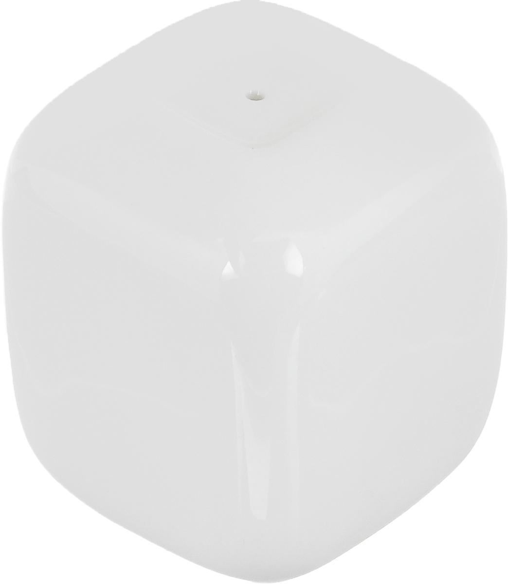 Перечница Ariane Vital Square, 4,5 х 4,5 х 5,5 смAVSARN72002Перечница Ariane Vital Square изготовлена из высококачественного фарфора белого цвета. Перечница имеет одно отверстие для высыпания специй, на дне - отверстие, позволяющее наполнить емкость, снабженное силиконовой вставкой. Такая перечница украсит сервировку вашего стола и подчеркнет прекрасный вкус хозяина, а также станет отличным подарком. Можно мыть в посудомоечной машине.