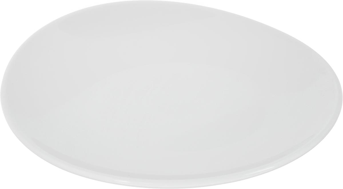 Тарелка Ariane Коуп, диаметр 15 смAVCARN111015Оригинальная тарелка Ariane Коуп изготовлена из высококачественного фарфора с глазурованным покрытием и имеет приподнятый край. Изделие круглой формы идеально подходит для сервировки закусок и других блюд. Такая тарелка прекрасно впишется в интерьер вашей кухни и станет достойным дополнением к кухонному инвентарю. Можно мыть в посудомоечной машине и использовать в микроволновой печи. Диаметр тарелки (по верхнему краю): 15 см. Максимальная высота тарелки: 2,5 см.