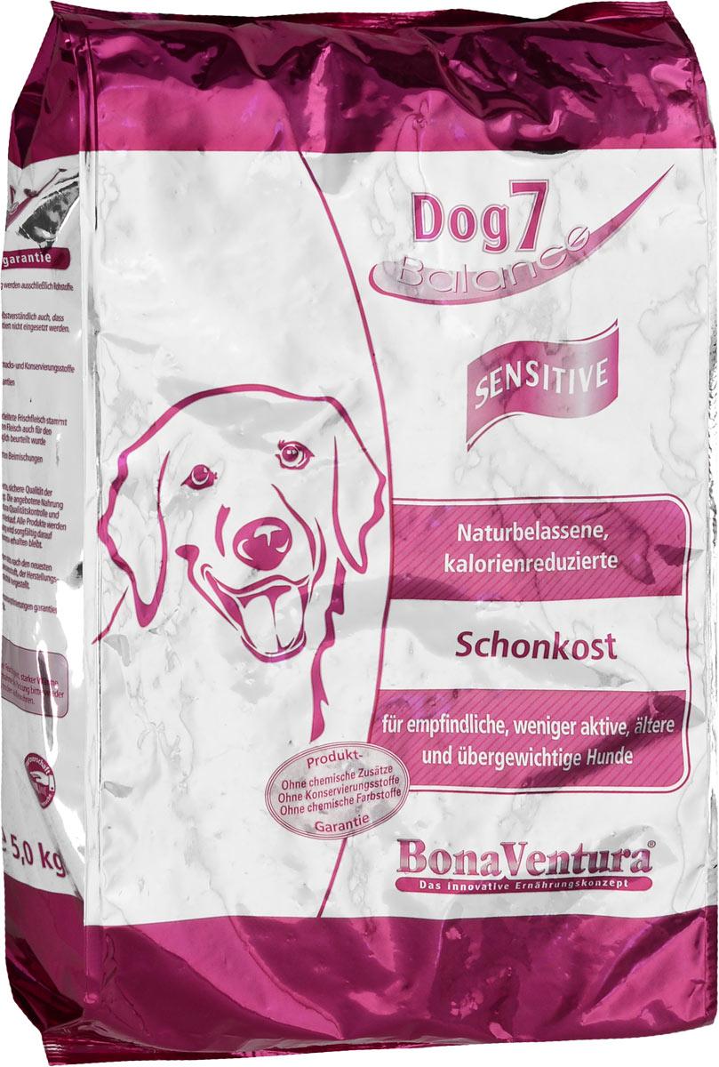 Корм сухой BonaVentura Dog 7 Sensitive для взрослых собак, склонных к полноте, 5 кг205305Натуральный корм BonaVentura Dog 7 Sensitive предназначен для взрослых собак, склонных к полноте. Он произведен из продуктов, пригодных в пищу человека по специальной технологии, схожей с технологией Sous Vide. Благодаря технологии при изготовлении сохраняются все натуральные витамины и минералы. Это достигается благодаря бережной обработке всех ингредиентов при температуре менее 80 градусов. Такая бережная обработка продуктов не стерилизует продуктовые компоненты. Благодаря этому корма не нуждаются ни в каких дополнительных вкусовых добавках и сохраняют все необходимые полезные вещества. При производстве кормов используются исключительно свежие натуральные продукты: мясо, овощи и зерновые; Приготовлено из 100% свежего мяса, пригодного в пищу человеку; Содержит натуральные витамины, аминокислоты, минеральные вещества и микроэлементы; С экстрактом масла зародышей зерна пшеницы холодного отжима (Bio-Dura); Без химических красителей, усилителей вкуса,...