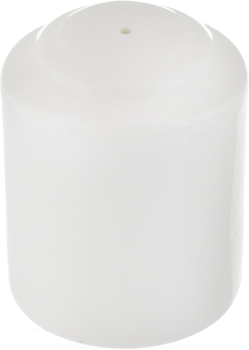 Перечница Ariane Прайм, 4,5 х 4,5 х 5,6 смAPRARN72001Перечница Ariane Прайм изготовлена из высококачественного фарфора. Изделие имеет одно отверстие для высыпания специй, на дне - отверстие, позволяющее наполнить емкость, снабженное пластиковой вставкой. Уникальный состав сырья, новейшие технологии и контроль качества гарантируют: снижение риска сколов, повышение термической и механической прочности, высокую сопротивляемость шоковым воздействиям, высокую устойчивость к стиранию, устойчивость к царапинам, возможность использования в духовых, микроволновых печах и посудомоечных машинах без потери внешнего вида, гладкий и блестящий внешний вид, абсолютную функциональность, относительную безопасность в случае боя, защиту от деформации. Такая перечница украсит сервировку любого стола и подчеркнет прекрасный вкус хозяина. Размеры перечницы: 4,5 х 4,5 х 5,6 см.