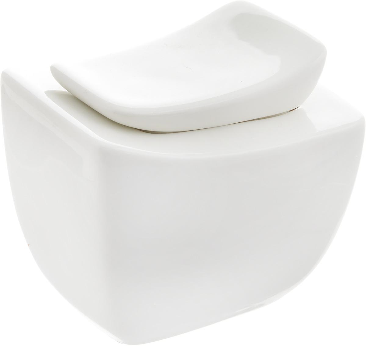 Сахарница Ariane Rectangle, 270 млAVRARN66027Сахарница Ariane Rectangle выполнена из высококачественного фарфора с глазурованным покрытием. Изделие имеет элегантную форму и может использоваться в качестве креманки. Десерт, поданный в такой посуде, будет ещё более сладким. Сахарница Ariane Rectangle станет отличным дополнением к сервировке семейного стола и замечательным подарком для ваших родных и друзей. Можно мыть в посудомоечной машине и использовать в микроволновой печи.