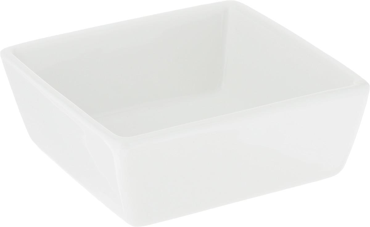 Салатник Ariane Джульет, 130 млAJSARN22093Салатник Ariane Джульет изготовлен из высококачественного фарфора и имеет квадратную форму. Такой салатник украсит сервировку вашего стола и подчеркнет прекрасный вкус хозяина, а также станет отличным подарком. Можно мыть в посудомоечной машине и использовать в микроволновой печи. Размер салатника: 9 х 9 х 3,5 см.