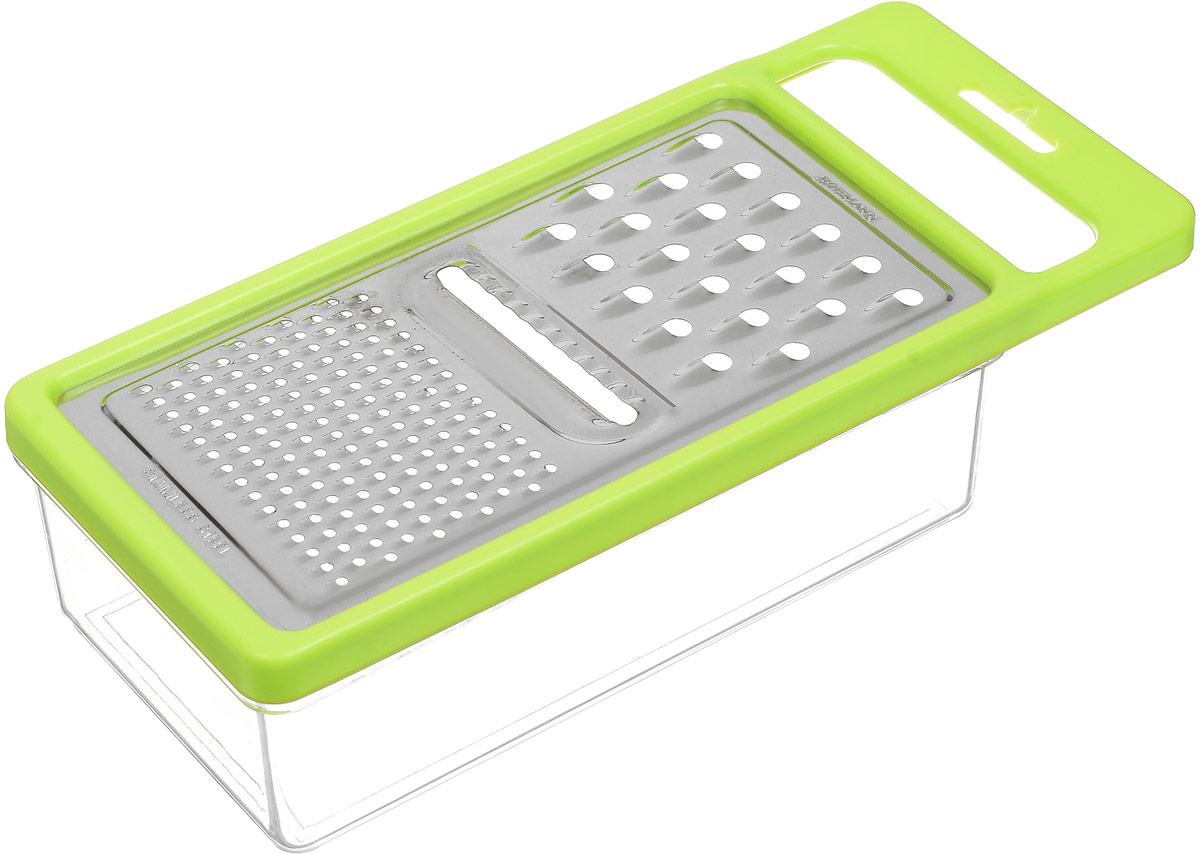 Терка Bohmann, с контейнером, цвет: салатовый, прозрачный, серебристый02519BH_салатовыйТерка с контейнером Bohmann, изготовленная из стали и пластика, непременно понравится каждой хозяйке. На одной терке представлены три вида терок - крупная терка, мелкая терка и терка пластинами с рифленой поверхностью. Терка под посажена на специальный контейнер и надежно закреплена. Терка снабжена ручкой, чтобы при использовании не было дискомфорта в обращении. Не рекомендуется мыть в посудомоечной машине. Размер терки (с учетом ручки): 25 х 11 х 1 см. Размер контейнера: 19,5 х 10,7 х 6 см.