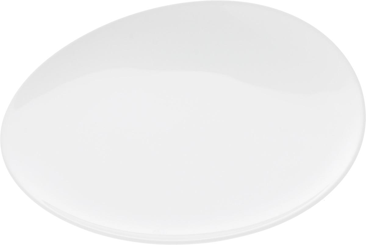 Тарелка Ariane Коуп, диаметр 21 смAVCARN111021Оригинальная тарелка Ariane Коуп изготовлена из высококачественного фарфора с глазурованным покрытием и имеет приподнятый край. Изделие круглой формы идеально подходит для сервировки закусок и других блюд. Такая тарелка прекрасно впишется в интерьер вашей кухни и станет достойным дополнением к кухонному инвентарю. Можно мыть в посудомоечной машине и использовать в микроволновой печи. Диаметр тарелки (по верхнему краю): 21 см. Максимальная высота тарелки: 3 см.