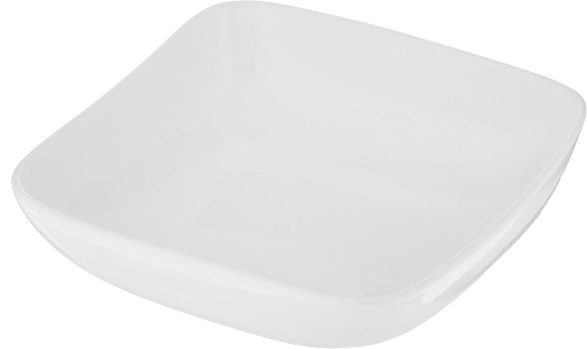 Салатник Ariane Vital Square, 440 млAVSARN22016Салатник Ariane Vital Square, изготовленный из высококачественного фарфора с глазурованным покрытием, прекрасно подойдет для подачи различных блюд: закусок, салатов или фруктов. Такой салатник украсит ваш праздничный или обеденный стол. Можно мыть в посудомоечной машине и использовать в микроволновой печи. Размер салатника (по верхнему краю): 16 х 16 см. Диаметр основания: 8 см. Высота стенки: 6 см. Объем: 440 мл.