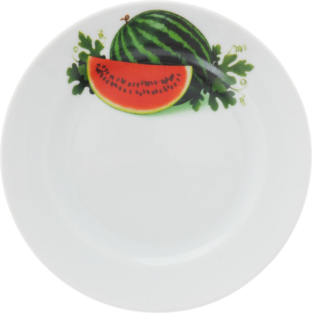 Тарелка Идиллия. Арбуз, диаметр 17 см1303835_арбузТарелка Идиллия. Арбуз изготовлена из высококачественного фарфора и оформлена красочным изображением арбуза. Изделие сочетает в себе изысканный дизайн с максимальной функциональностью. Тарелка отлично дополнит сервировку стола и станет практичным приобретением для вашей кухни.