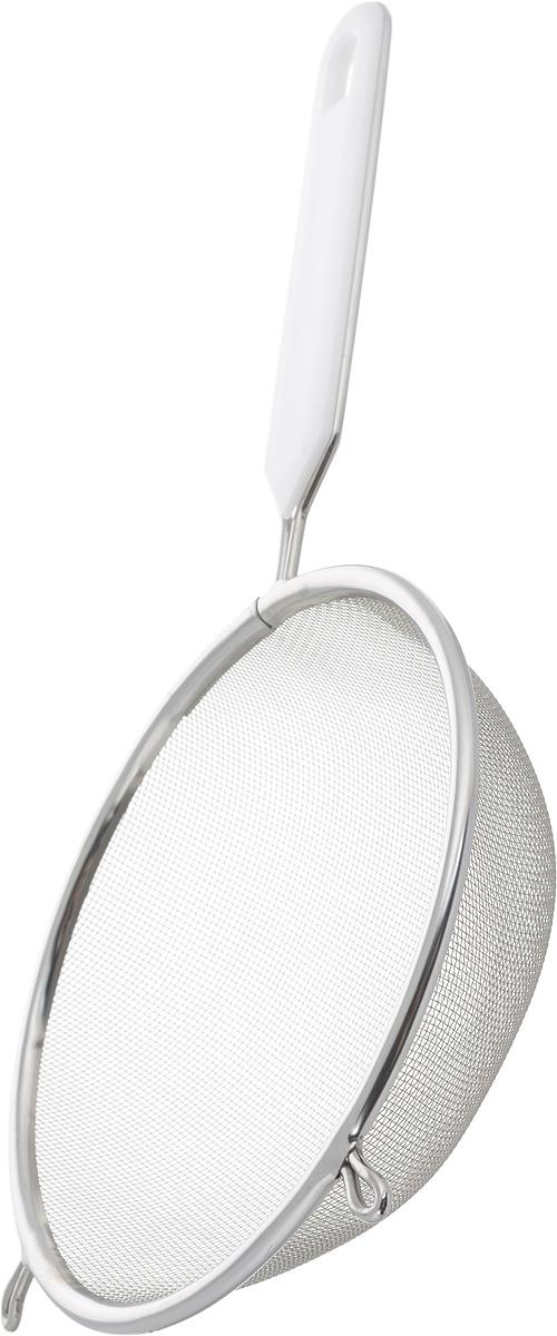 Ситечко Axentia, цвет: белый, стальной, диаметр 16 см200743_белый, стальнойСитечко Axentia, выполненное из нержавеющей стали, станет незаменимым аксессуаром на вашей кухне. Оно предназначено для просеивания и процеживания. Удобная ручка с пластиковой вставкой не позволит выскользнуть изделию из вашей руки. Ручка имеет отверстие, с помощью которого изделие можно подвесить в удобном для вас месте. Такое ситечко станет достойным дополнением к кухонному инвентарю. Диаметр ситечка по верхнему краю: 16 см. Глубина ситечка: 5 см. Длина ручки: 15 см.